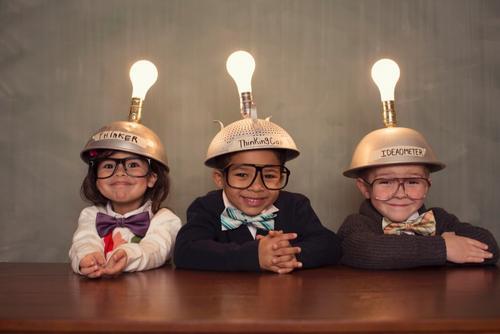Sobre porque as escolas deveriam ensinar criatividade e empreendedorismo para as crianças e adolescentes.